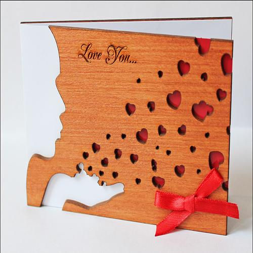 """Открытка из дерева универсальная """"Love You. Поцелуй"""""""