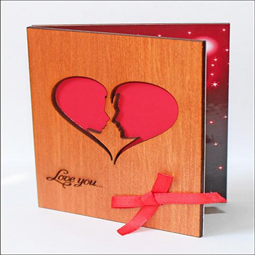 """Открытка из дерева для влюбленных """"Love You. Влюбленные"""""""